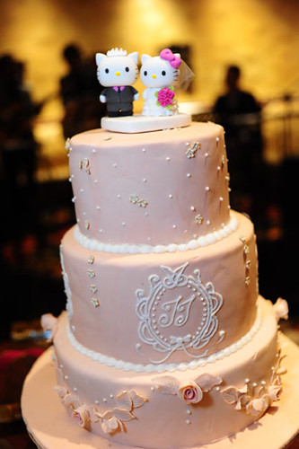 Hello Kitty Daniel Wedding Cake Topper