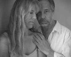 Un moment intime  (An intimate moment) (l'imagerie potique) Tags: couple intimacy tendresse douceur intimit poeticimagery limageriepotique