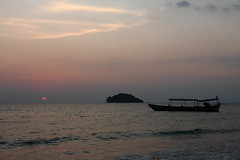 Otres Beach 2 (gsamie) Tags: ocean sunset sea sky canon boat cambodge cambodia sihanoukville south t3i 600d otresbeach gsamie guillaumesamie