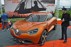 Renault Captur Concept (Kevin-A.) Tags: world auto show camera autumn red france cup car sport by racetrack race germany season deutschland photography one 1 photo championship official teams nikon frankreich track foto fotografie d weekend cam herbst picture f1 bull racing september renault elf formula driver series trophy local 12 20 5000 formula1 rennen michelin th rheinland rhineland pfalz kamera infiniti wochenende eurocup saison nrburgring formel1 fahrer nurburgring formel nrburg 2015 rennstrecke palatinate d5000 rennserie offiziel