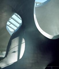 Arnhem (Jorkew) Tags: sculpture mamiya station architecture kodak arnhem central 2006 z expired portra centraal 128 rz67 160nc 110mm sekor