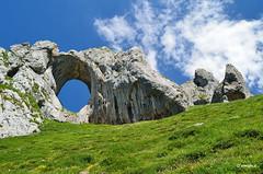 L'Arcu de Pea Mea (Asturias)  Spain (amajocu) Tags: naturaleza nikon asturias montaa roca piedra erosin aller laviana d5100