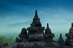 Borobudur (Heilah Alnasser) Tags: misty sunrise indonesia java borobudur