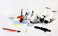 Drawing Droids (Lishoffs) Tags: color colors de photography death star la drawing stickman humor muerte r2d2 stormtrooper c3p0 wars crayons fotografia estrella palitos pintar composicion dibujando muequitos recostado creyones