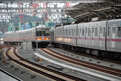 Tokyo Metro 8000 Series Train and Tokyu 8590 Sereis Train at Futako-shinchi Station (ykanazawa1999) Tags: japan train kanagawa kawasaki tokyu futakoshinchi 8000series 8590series