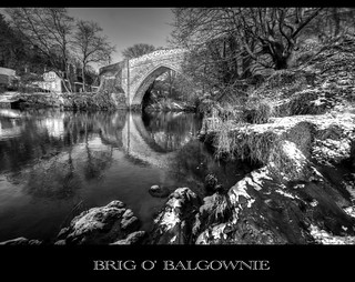 Brig o' Balgownie, Aberdeen - monochrome