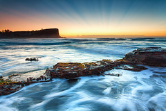 Rays of Avalon (Luke Tscharke) Tags: seascape water sunrise landscape geotagged movement newsouthwales rays avalon northernbeaches 5d3 5dmarkiii geo:lat=3363716195933631 geo:lon=15133188059810868