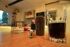 weird distortion (grwsh.marcel) Tags: light distortion home glass canon licht angle cola wide coke wideangle 7d pepsi huis 1022mm glas groothoek vervorming canon7d