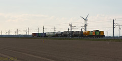 RRF 20 + goederentrein - Vuursteenweg - Hanzelijn - 20120420 (Cees_1251) Tags: bam goederen hanzelijn ketelwagens rrf20 containerwagens vuursteenweg
