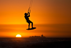 Big Bay (Gatria) Tags: ocean africa sunset sea sun kite color colour detail water silhouette bay town big jump action south horizon kitesurfing atlantic container cape afrika colourful orang dreamcatcher watersport kapstadt kaapstad kitesurfen ozean bloubergstrand atlantischer