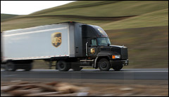 ups (.sanden.) Tags: california ca brown blur speed truck canon highway 5 fast hills ups freeway interstate trailer speeding trucking 40d
