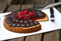 Raspberry & chocolate pie (alangolfi) Tags: food argentina cake canon pie buenosaires sweet chocolate comida eat raspberry dslr torta dulce catering alangoldfarb foodstylist raspberrychocolatepie puntoletra valeriaerlich