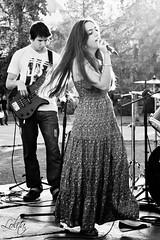 Fiore (Lolita *) Tags: park plaza music girl mujer dress group band musica singer vestido cantante fiorella plazarivadavia img9246