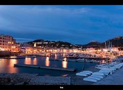 Port de Cassis ( / Cyril) Tags: longexposure france port landscape boats lights nikon harbour bateaux bluehour provence paysage cassis starburst starlight d90 poselongue heurebleue cilou101