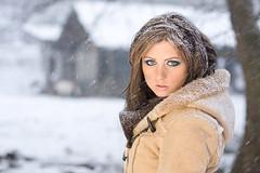 sexy Frau im Schnee (bemedia123) Tags: schnee winter sexy weihnachten urlaub jahreszeit natur verschneit frau holz kalt eis landschaft baum spass junge draussen schneesturm heiligabend winterlandschaft handschuhe schal schlank romantisch eisig wintermantel schneeflocken flocken schneien attraktiv schneit glcklich sf htte hbsch brnett klte mtze mdchen bume schne