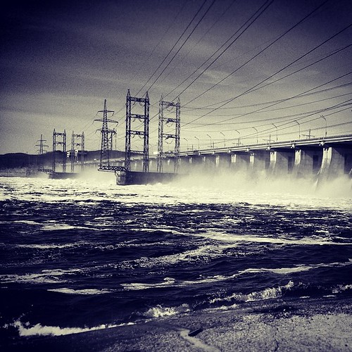 Плотина на Волге. Dam on the Volga river. #water #power #landscape #industrial #travel #russia #вода #пейзаж #путешествие #россия