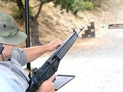 1930070_19954107245_38_n (Jujumediazone) Tags: hunting rifles range shootings deserteagle