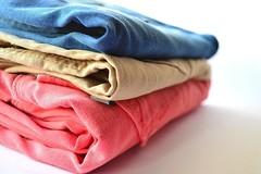 Cunto tiempo de nuestra vida gastamos decidiendo qu ropa usar? (revistaeducacionvirtual) Tags: colores zapatos mujeres ropa camisa tiempo armario camisas minutos encuestas tonalidades rapidez marksampspencer rabiadearmario wardroberage