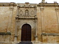 beda, Andalousie: Baslica de Santa Mara de los Reales Alczares, porte est,  Puerta de la Consolada (Marie-Hlne Cingal) Tags: door espaa andaluca puerta porta porte espagne tr andalousie beda