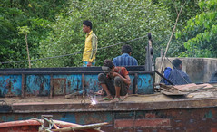 Chittagong Welder (Andy.Gocher) Tags: street people asia colours bangladesh chittagong canon100d andygocher