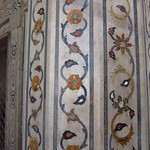 "Inlay at Diwan-i-Khas <a style=""margin-left:10px; font-size:0.8em;"" href=""http://www.flickr.com/photos/14315427@N00/6778542432/"" target=""_blank"">@flickr</a>"