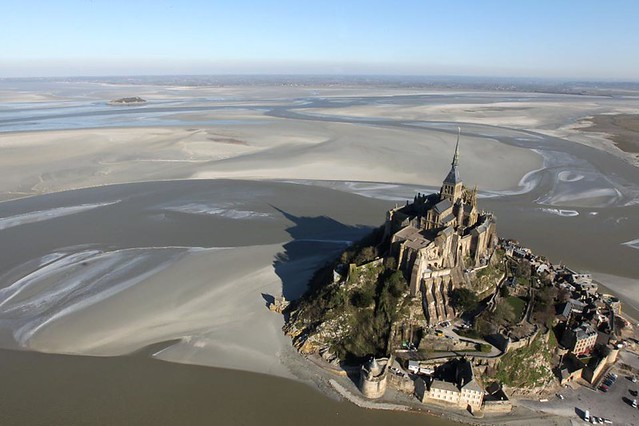 [ T ] Kenzo Tribouillard - Low tide at Mont Saint-Michel (2012)