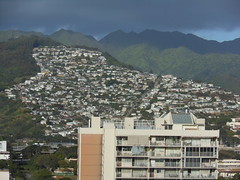 Up the Back of Honolulu (mikecogh) Tags: hills suburbs honolulu climate creep stormclouds