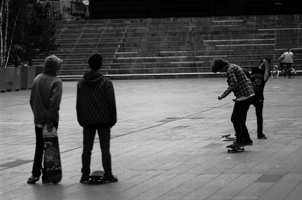 skaters on Spuiplein