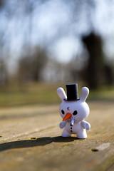 IMG_6670 (l3enjamin) Tags: wood usa white snow k japan toy toys snowman little small tiny figure neige figurine blanc crusty smallworld kozik bois bonhomme dunny arttoy petit dun carotte bonhommedeneige arttoys koz artoys kozic dunnycrusty