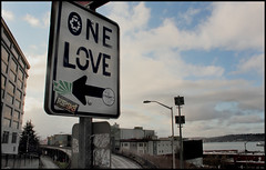 One Love (dr.Ozda) Tags: seattle sign washington 1stavenue elliottbay onelove batterystreet alaskawayviaduct drozda