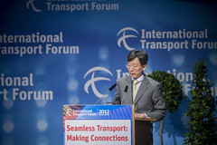 "Jaehak Oh talks about ""real-time public transport information"""