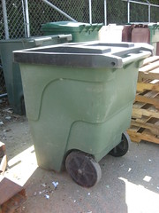 Dura-Kan (Thrash 'N' Trash Prodcutions) Tags: trash dumpster truck washington garbage can bin management cans waste cart refuse recycle recycling carts bins containers kennewick toter durakan