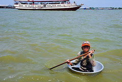 JT7_1361 (1-2-3 cheese) Tags: cambodia candid tonlesaplake travelphoto chuplen nikond700 biểnhò