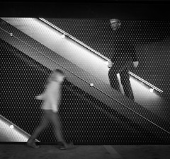 (Thomas Leuthard) Tags: street leica white black training photography video flickr fuji thomas streetphotography olympus monochrom ebook omd hcb leuthard thomasleuthard