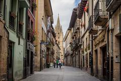 Calle Mon (Moleiro) Tags: espaa spain espanha cathedral catedral asturias oviedo