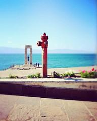Idrante (fotofonino) Tags: red sea italy seascape hydrant landscape fire italia olympus reggiocalabria calabria olympusomdem10