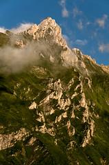 D3241-Montaa francesa (Pirineos centrales) (Eduardo Arias Rbanos) Tags: sky cloud mountain landscape nikon paisaje cielo montaa nube cordillera mountainrange d300 mountainchain eduardoarias eduardoariasrbanos