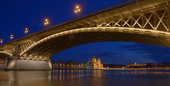 Budapest - Parliament seen from Margitsziget (Markus Wildgruber) Tags: bridge river hungary budapest landmark bluehour sight duna brcke fluss ungarn hu danube hdr magichour kettenbrcke donau orszghz magyarorszg margithd hungarianparliament chainbridge blauestunde sehenswrdigkeit szchenyilnchd budavripalota burgpalast budapestcastle margaretenbrcke ungarischesparlament budapesterburg