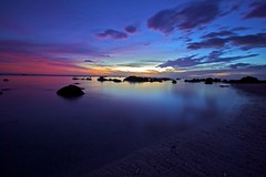 Colorful Sunset_NOT EXPLORED !!!!! WTF !!!!_Flickr makes no sense at all to me ... (Christoph Pfeilstücker) Tags: sky seascape france color water colors night canon frankreich nacht vivid farbe nuit réunion iledelaréunion 5d2 xris74