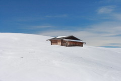 ((:Andrzej:)) Tags: italien blue winter sky italy white snow clouds hill hut shelter zima dolomites nieg wochy dolomity alpedisiusi wzgrze chatka