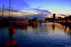 El mar de Alicante (Ferny Carreras) Tags: city sunset sea sculpture españa water port puerto atardecer boat mar agua barcos ciudad escultura alicante reflect reflejos nwn alacant puertomarítimo olétusfotos
