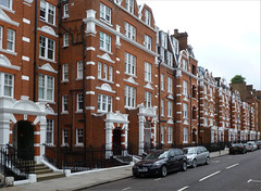 Residing in Style (oxfordian.world) Tags: uk greatbritain england london architecture kensington victorianarchitecture nottinghillgate sheffieldterrace theroyalboroughofkensingtonandchelsea oxfordian backsteinarchitektur backsteinbauten oxfordianworld oxfordiankissuth 201110
