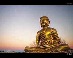 Buddha Moon (tomraven) Tags: light sunset moon statue golden buddha australia canberra dharma hdr gautama siddhrtha tomraven aravenimage flickrstruereflection1 q