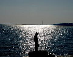 Pescador no Facho (Castrelo-Cambados) (Marcos AEV) Tags: castrelo ofacho
