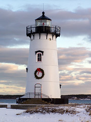 Lighting the Lighthouse (Martha's Vineyard Lighthouses) Tags: winter beach lens lighthouses wreath marthasvineyard beacon edgartown