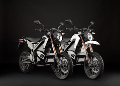 2012_zero-ds_studio_pair_1680x1200_press (Zero Motorcycles Germany) Tags: motorcycles ktm alternativeenergy zeros recycling motocross mx zero dirtbikes batterie tesla windpower enduro motorcycling motorrad renewableenergy solarpower solarenergy motorrder zerox electricvehicles ebikes electriccars solarenergie greenliving kologie cleanenergy alternativeenergien emobility teslamotors teslaroadster alternativeenergysources nachhaltigkeit cleanairact kostrom chevyvolt brammo teslamodels ridingmotorcycles elektromobilitt elektromotorrad nissanleaf zeromx emobilitt zerods zeroxu zeromxd zeroxd elektromotorrder emotorrad emotorrder emissonsfreiheit grnesfahren zeromotorycles ktmelectricbike dirtbiketrials ridingmymotorcycle ridingmymotorcycles