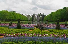 L'aqueduc de Maintenon vu des jardins du château (jmsatto) Tags: jardin château maintenon eureetloir