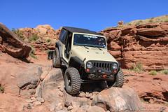 moab-119 (LuceroPhotos) Tags: utah jeeps moab cliffhanger jeeping