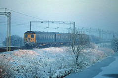 Freezing 304 (DeanM66A) Tags: electric multiple emu unit westcoastmainline trentvalley class304 304022