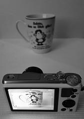 Fotos machen - make photos (Der Kremser) Tags: bw coffee mobile handy fun photo blackwhite foto cellphone kaffee samsung casio sw 700 casioexilim exilim s6 exzr samsunggalaxys6